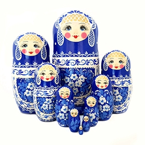Non-traditional nesting dolls (Semenov)
